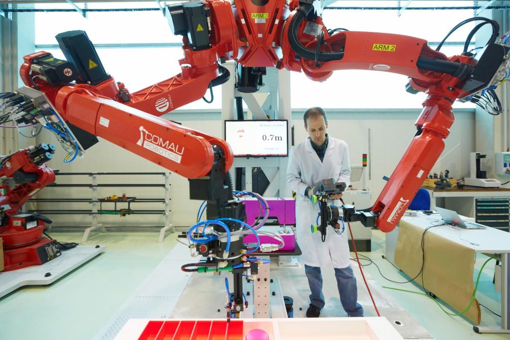 Tekniker_AE_Robot_Bimanipulador